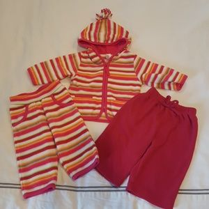 Lot of Baby Gap fleece outfits sz 3-6M